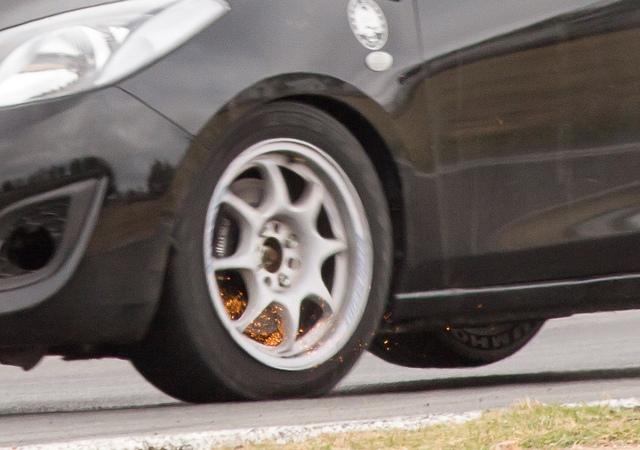 mazda-2-brakes