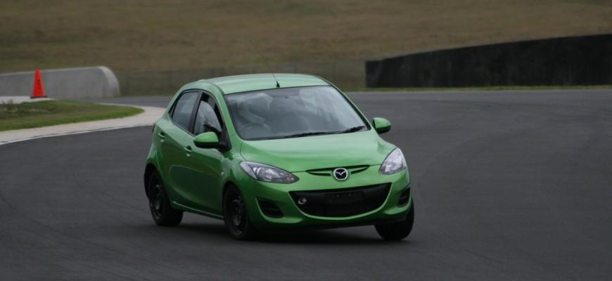 Mazda 2 PLUS 1